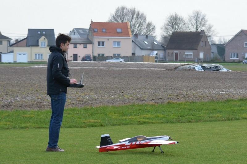 model-airplane-234866_1920.jpg